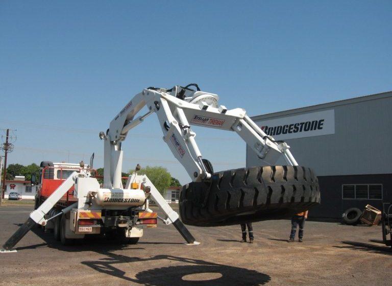 Stellar 9000 AG OTR tyre service truck