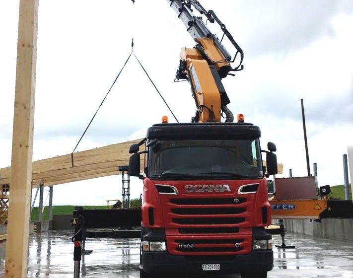 Crane for roofing – Effter Truck Cranes