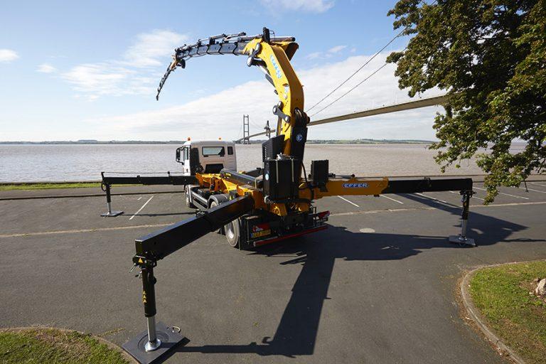 """Effer's concept of """"Mini Mobile Crane"""""""